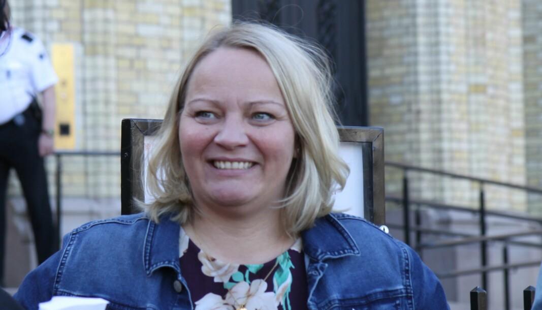Mona Fagerås (SV) er medlem av Utdannings- og forskningskomiteen på Stortinget, og en av forslagstillerne.