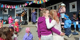 I denne barnehagen har festivalsommeren allerede startet