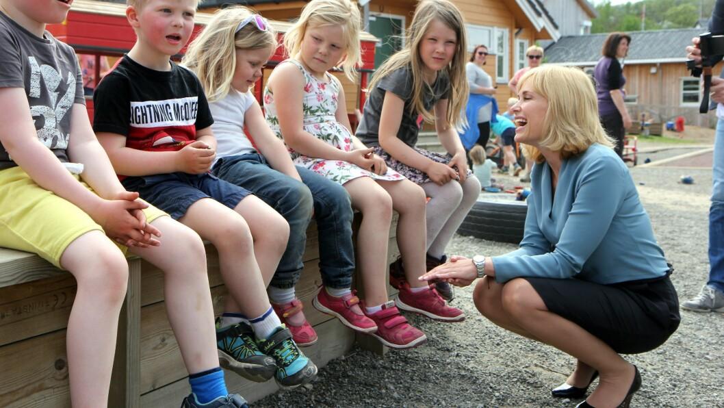 Anne Lindboe er klar for drømmejobben. Her er hun på besøk hos Lillevolden barnehage i Bodø.