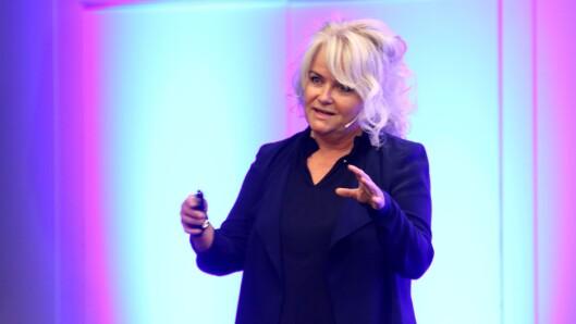 Karin Gustavsen på scenen under Barnehage 2018.