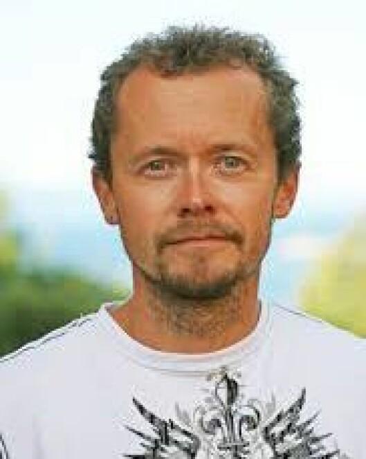 Frode Thorjussen er høyskolelektor ved barnehagelærerutdanningen på Steinerhøyskolen og avtroppende styreleder i Steinerbarnehageforbundet. Han har vært ansvarlig redaktør for steinerbarnehagenes lokale rammeplan.