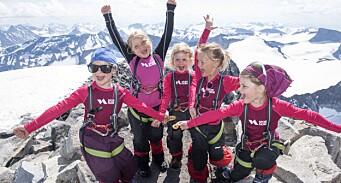 Tok skolestarterne med til topps på Norges høyeste fjell