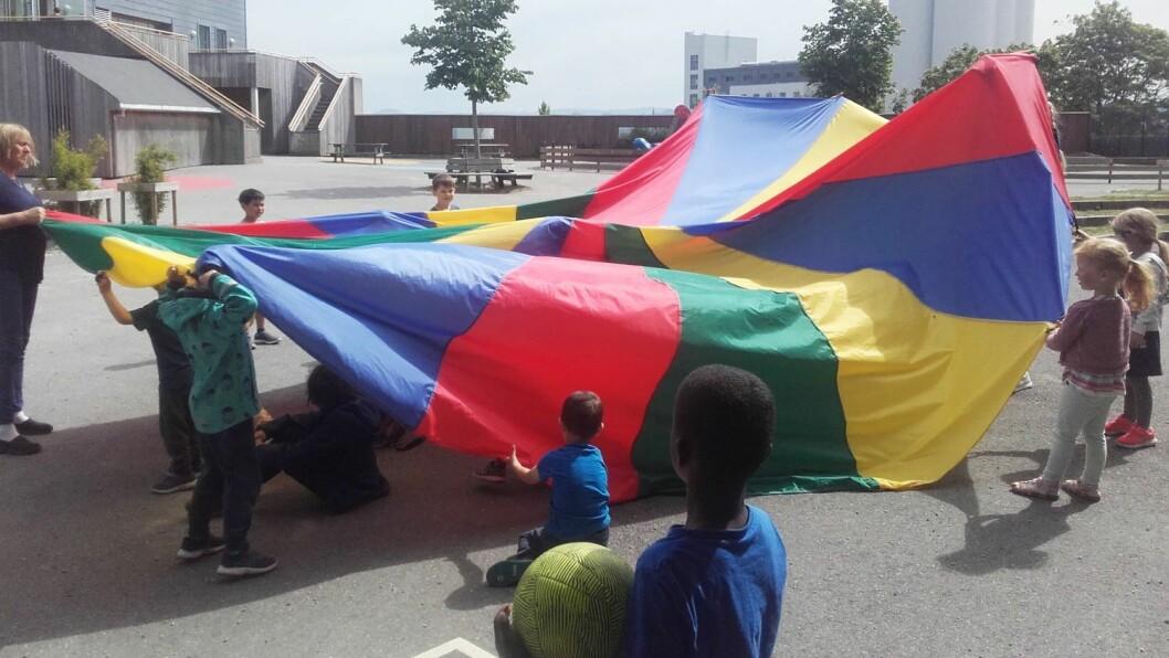 – Høyere voksentetthet gjør at barna får tettere oppfølging. De blir sett på en annen måte, sa styrer Monica Kapstad Ranck i Sandvikveien barnehage i fjor. Nå er prosjektet over, men Stavanger vil øke grunnbemanningen i barnehagene.