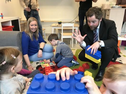 Kunnskapsminister Torbjørn Røe Isaksen i Hundsund barnehage i Bærum da den nye rammeplanen ble lansert 24. april 2017.