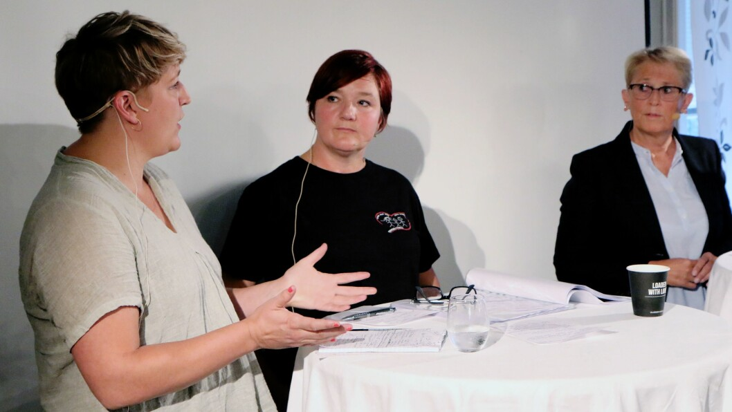 Fra venstre Camilla Otterlei, Nina Turøy og Marianne Godtfredsen deltok i samtalen om mobbing i barnehagen.