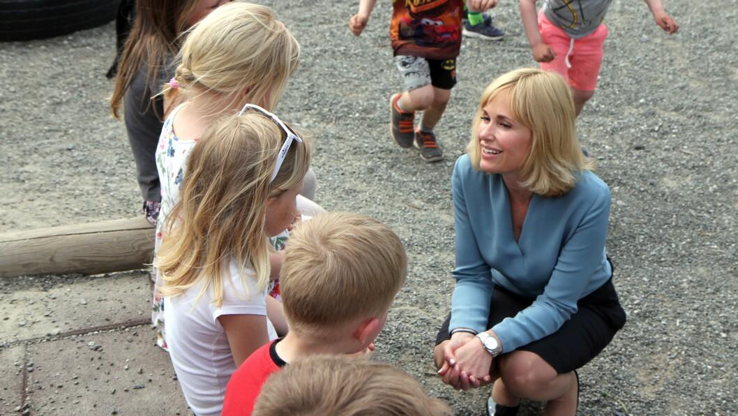 Anne Lindboe (47) vil fortsette å jobbe for at norske barn skal være trygge når hun mandag går inn i rollen som administrerende direktør i PBL. Bildet ble tatt da nyheten om at hun var ansatt som PBL-direktør ble kjent.