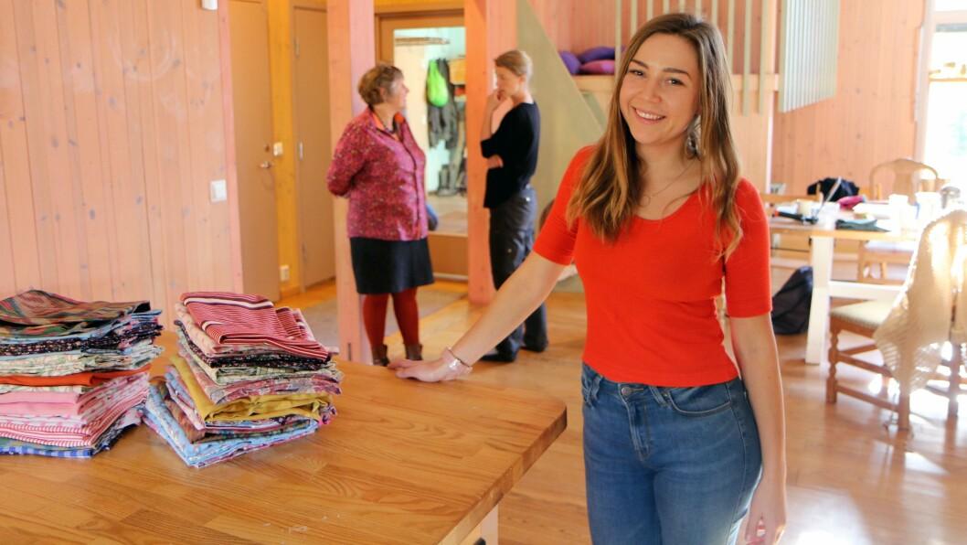 Vara Bibikova har ansvar for barnehagens jobbing med miljø og bærekraft.Hun har blant annet sørget for at alle barna har sitt eget nett til skiftetøy, sydd av gjenbrukt tøy.