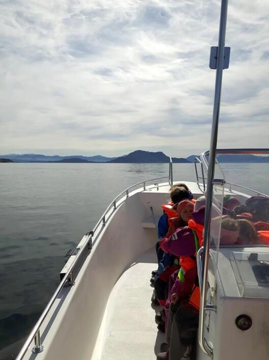Barnehagen har brukt den 22 fot store båten både til rekreasjon og fiske - og til å lære barna om sjøvett.
