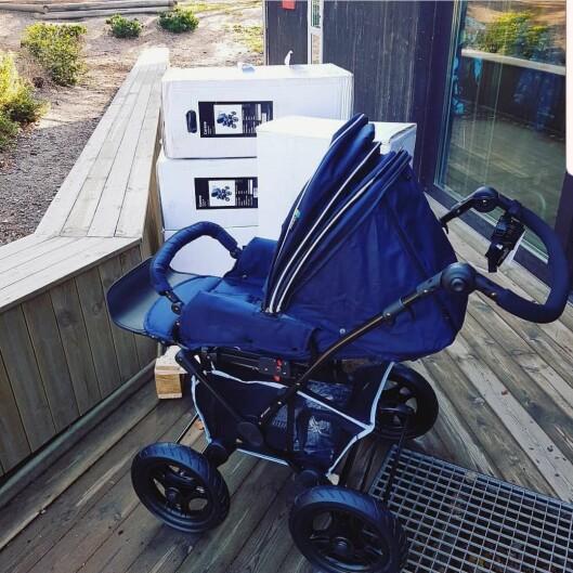 Huser Gårdsbarnehage har kjøpt inn vognene som barna sover i på dagtid. Dermed trenger ikke foreldre å ha dobbelt opp.