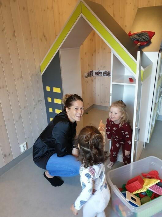 Anette Lauareid Hovda er barnehagelærer, relasjonspedagog og eier og daglig leder i Småfolk barnehage i Etne.