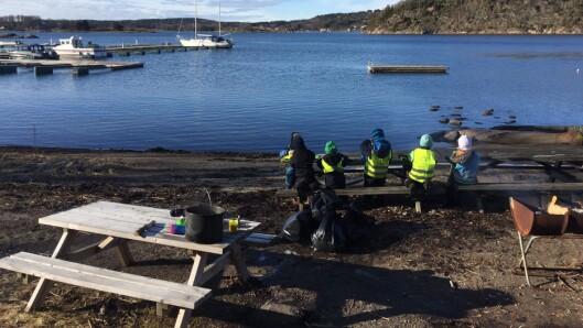 Brattås barnehage tar ansvar for det som foregår langs sjøen i nærområdet.