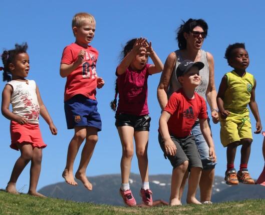 – Ekstra moro blir det når barn, ungdom og voksne leker sammen, sier Astri Sudmann.