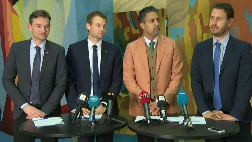 Henrik Asheim (H), Kjell-Ingolf Ropstad (KrF), Abid Raja (V) og Helge Andre Njåstad (Frp) presenterer budsjettavtalen.