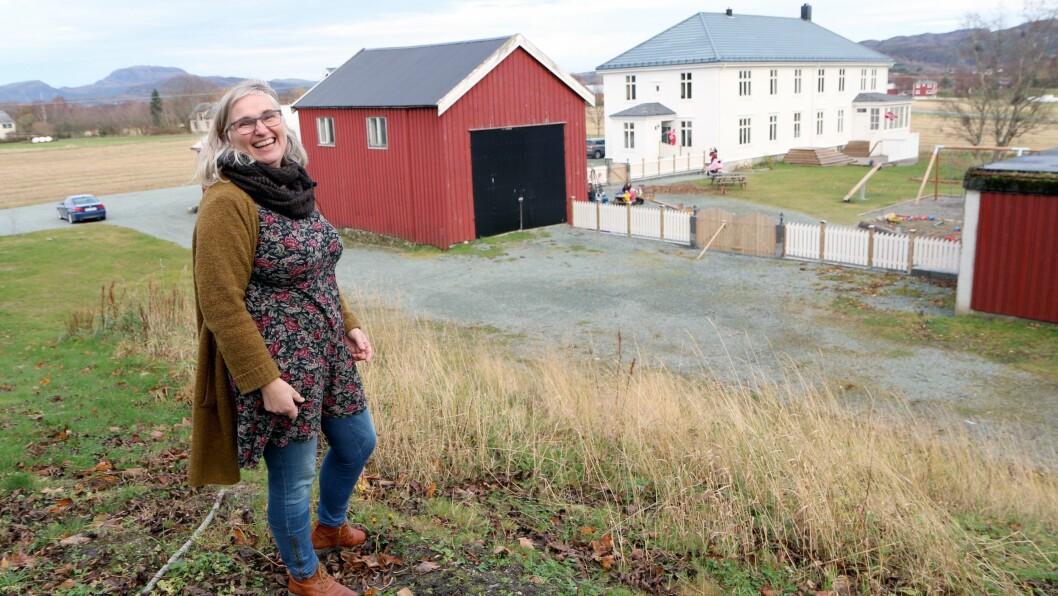 Ann-Elisabeth Hustad jobbet mange år i barnehage før hun utdannet seg til barnehagelærer, og kjøpte og startet egen barnehage på Ørland sammen med ektemannen.