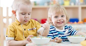 Veilederen: Nå kan barnehagene servere mat nesten som før
