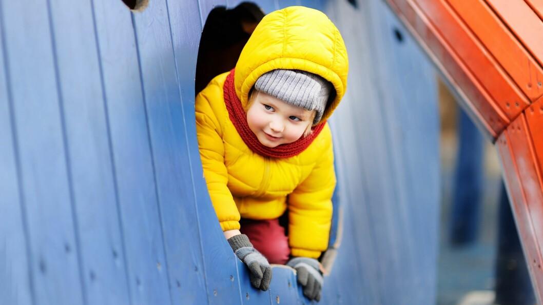 Barn med konflikt med den voksne i barnehagen eller læreren i skolen, hadde dårligere skoleferdigheter og mer eksternaliserende og internaliserende vansker enn barn som ikke hadde konflikt med lærer, kommer det fram i en ny rapport.