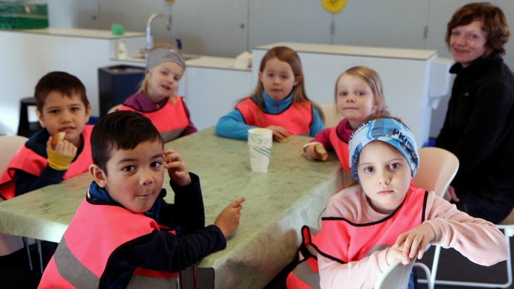 Barna i Salstraumen barnehage var på plass for å markere dagen.