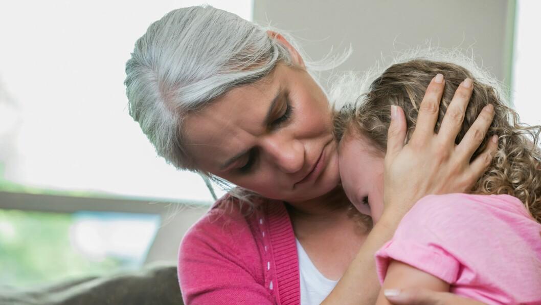 «En alvorlig konsekvens av å ikke la barnet få lov til å gråte, vise følelser og snakke om det kan være at barnet får problemer med dette når det blir eldre,» skriver Kristine Graver Sunmann.