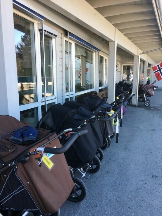 Styrerne fra Estland ble overrasket over at barna i Engesvea FUS barnehage sov ute i barnehagen.