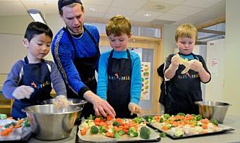 – Gutter er sjeldnere med på å lage mat i barnehagen enn jenter
