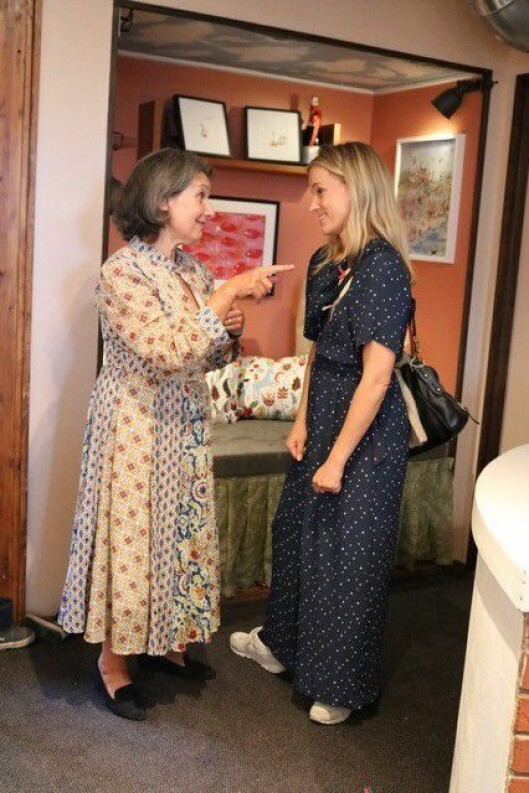 Davina Talén sammen med barnehagens aller første barn Sunniva Lange.