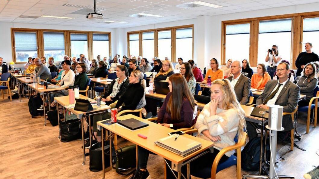 I høst starter 40 studenter på et fireårig deltidsstudium i regi av Dronning Mauds Minne Høgskole for barnehagelærerutdanning i Trondheim ved Høgskolesenteret i Kristiansund. Tirsdag var det offisiell åpning.