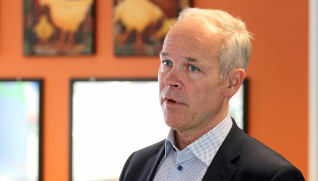 Jan Tore Sanner var kunnskapsminister da regjeringen satte av 111,2 millioner kroner i en overgangsordning for bemanningsnormen.