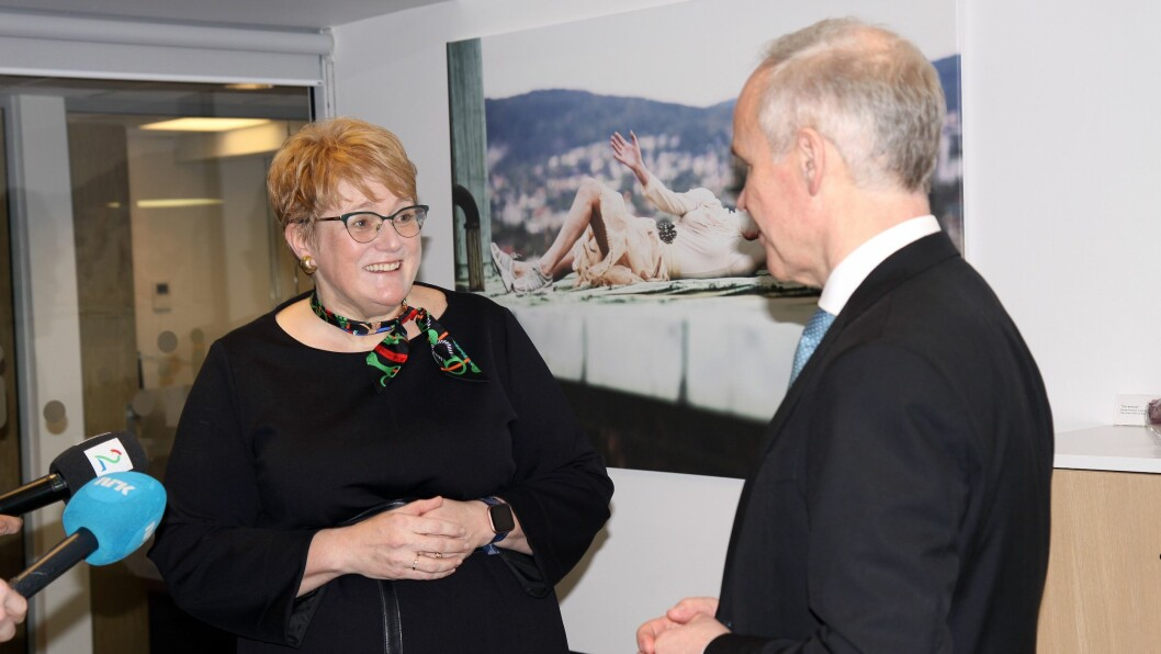 Bare en drøy uke etter at Trine Skei Grande (V) overtok som kunnskapsminister etter Jan Tore Sanner (H), uttrykker hun bekymring over bemanningen i barnehagene.