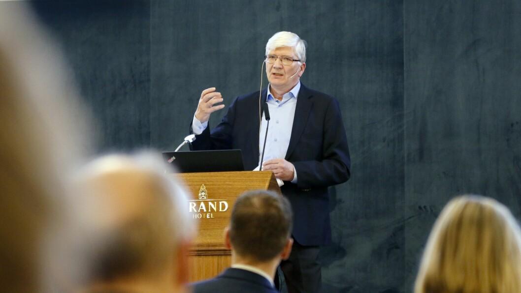 Steinar Juel arbeider deltid som samfunnsøkonom i Civita. Under et politisk seminar i regi av PBL går han langt i å slakte arbeidet bak høringsutkastet knyttet til endringer i barnehageloven.