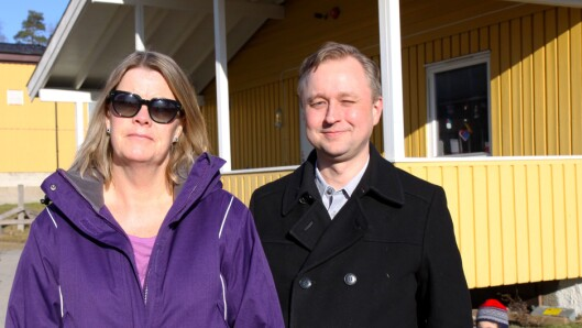 Styrer Ann-Kristin Evans i Sollerudstranda barnehage og styreleder Anders Nergaard.