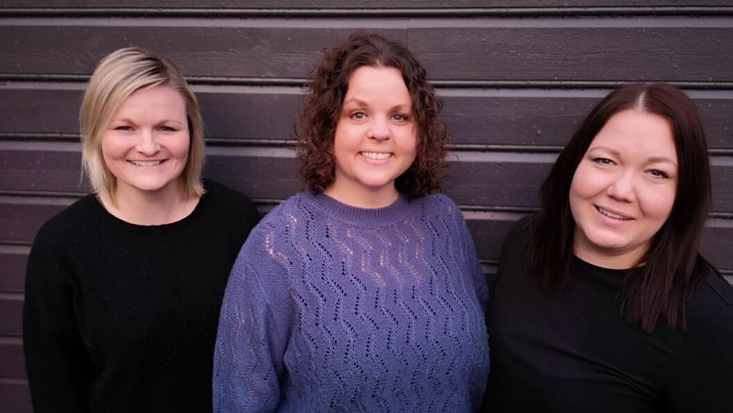 Fra venstre: Janette Hatløy, Hilde Landro og Kine Iren Bergsvik. – Målet vårt med dette prosjektet er at barn som går ut av barnehagen i dag skal være stolt av seg selv og sin kropp. Det skal være greit å være den man er, være glad i den man vil og være trygg på seg selv, sier de tre barnehagelærerne.