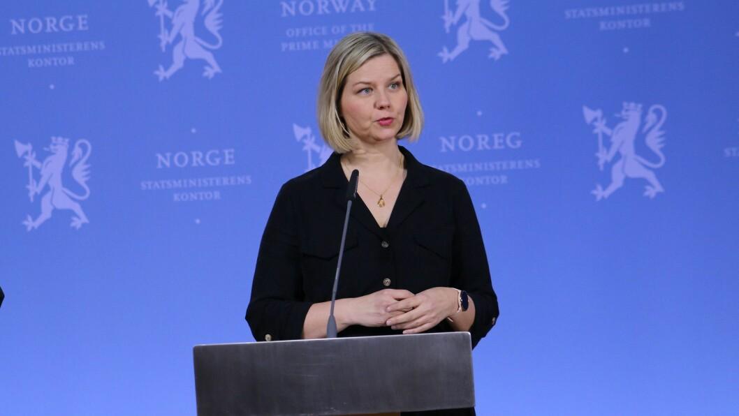Guri Melby under sin aller første av mange pressekonferanser fra statsministerens kontor.