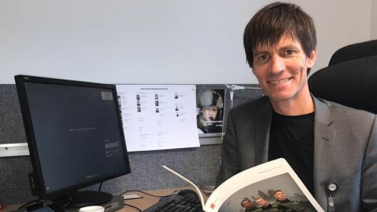 Jostein Røraas jobber til daglig som kommunikasjonssjef i Forsvarets veterantjeneste, for tiden fra hjemmekontor.