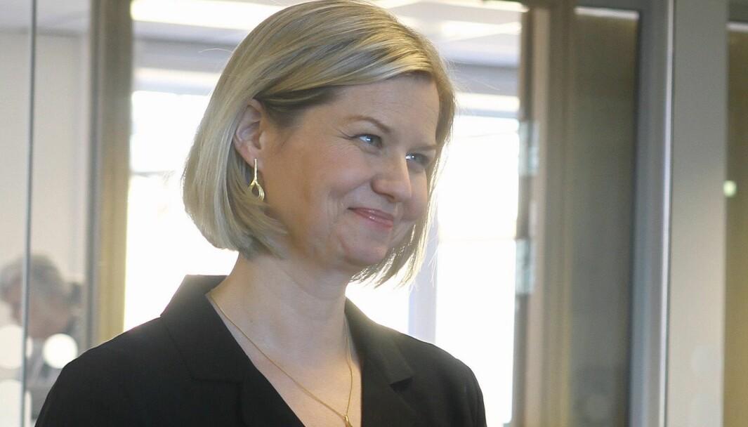 Kunnskaps- og integreringsminister Guri Melby (V) og departementet har beregnet hva det vil koste å skjerpe pedagogandelen i norske barnehager.
