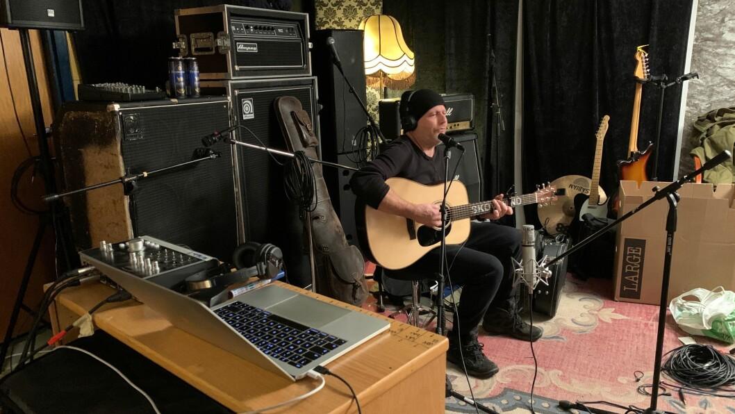 Frank Skovrand i studio.