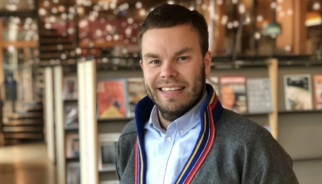 Sametingsråd Mikkel Eskil Mikkelsen betegner mangelen på barnehagelærere med samisk kompetanse som prekær - særlig i de lule- og sørsamiske områdene.