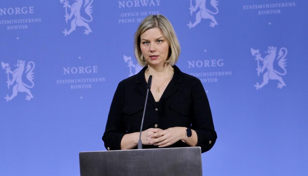 Kunnskaps- og integreringsminister Guri Melby er ikke klar til å si hvilke tiltak som vurderes.