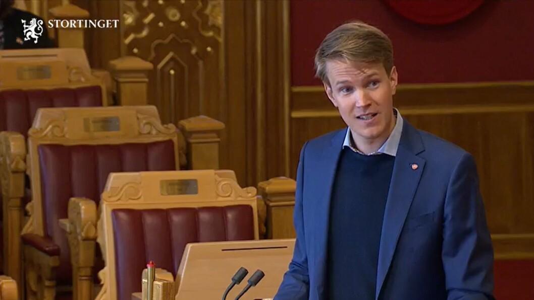 Torsten Tvedt Solberg (Ap) ser mørkt på barnehagehøsten hvis ikke regjeringen kommer med krisepakke.