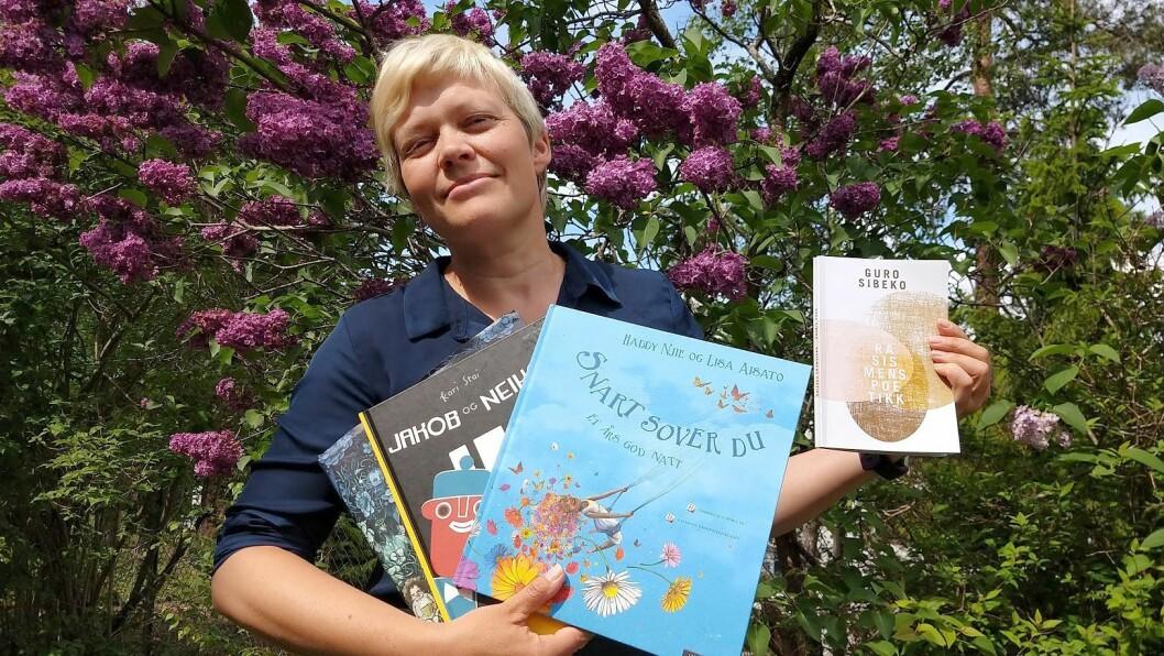 Religionsviter Ragnhild Laird Iversen har en rekke gode tips til hvordan man kan jobbe mot rasisme også i barnehagen. Blant annet om gode bøker.