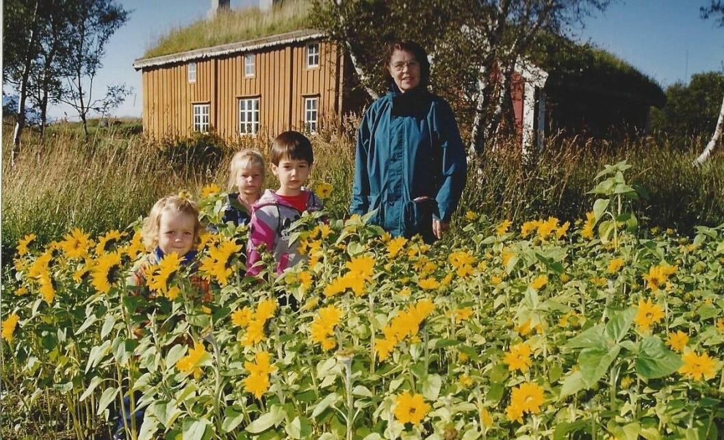 Kati Wiland var den første styreren i Bjerkhaug barnehage, og har preget pedagogikken fram til barnehagen stengte dørene i år. Bildet er fra 1998.