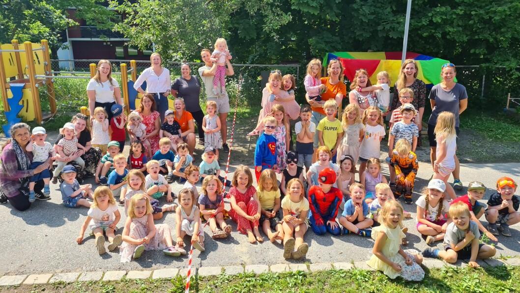 – Personalet er den aller viktigste ressursen i barnehagen, sier daglig leder Pia Katarina Halvorsen i Den blå appelsin Kanvas-barnehage. De er en av fem finalister til Årets barnehage 2020.