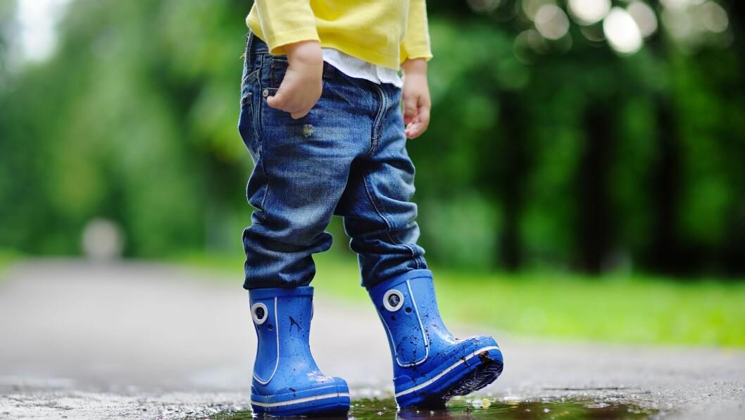 «Den beste måten å hjelpe usikre barn på, er å skape trygghet, rammer og tilhørighet,» skriver artikkelforfatteren.