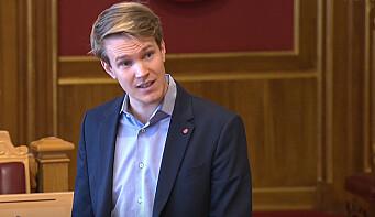 Torstein Tvedt Solberg tok opp økonomisk kompensasjon til barnehagene med statsråden.