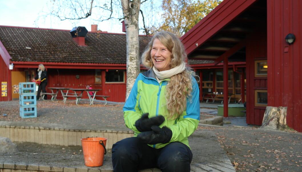 Rektor Else Berit Skagen trives godt på jobb som assistent i Dronning Mauds Minne barnehage. Selv om hun trenger en middagslur når hun kommer hjem.