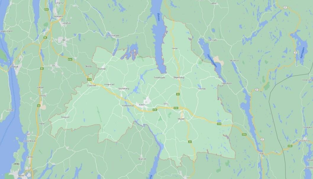 I Indre Østfold kommune kan åpningstiden i de kommunale barnehagene bli redusert med en time.