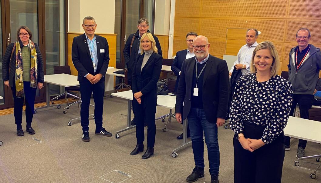 Fagforeningene Fagforbundet, Delta og Utdanningsforbundet møtte, sammen med PBL, kunnskapsminister Guri Melby