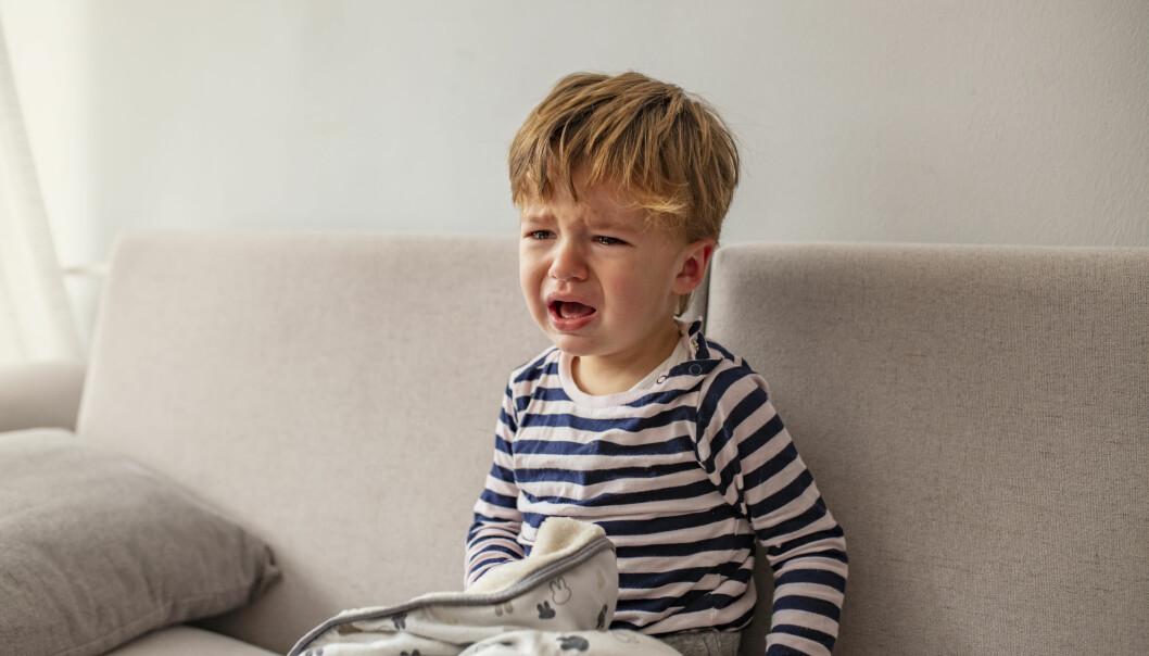 Hovedsymptomet ved norovirusinfeksjon hos barn er oppkast, met kan være mange årsaker til at barn kaster opp eller har diaré, skriver FHI på sine hjemmesider. Nå er uansett omgangssyken over oss.