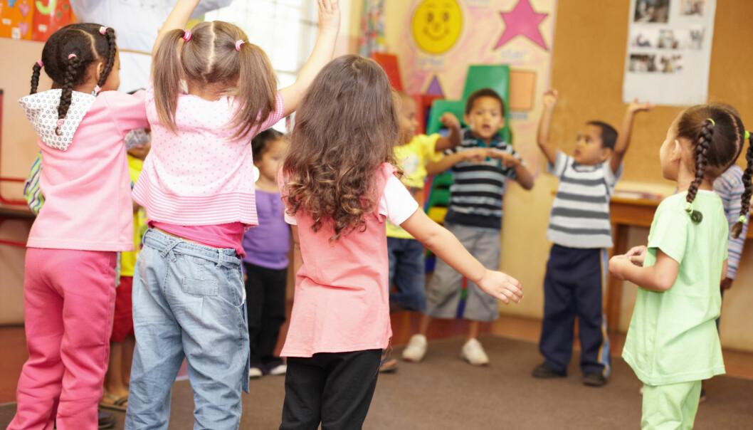«Musikk er språk, et felles språk som både barn og voksne kan forstå,» skriver artikkelforfatteren.