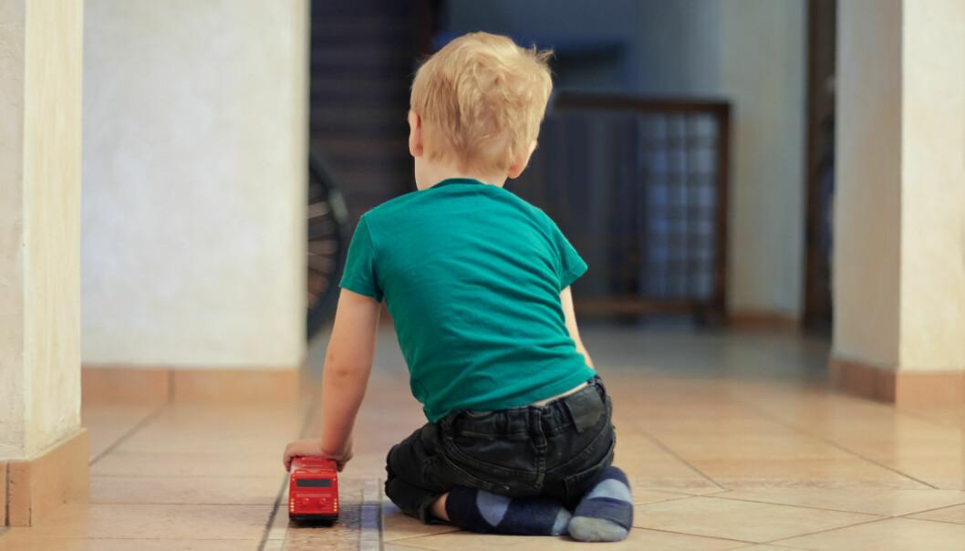 Arbeidet for å skape et trygt og godt barnehagemiljø for alle barn forutsetter at foreldre fra første stund involveres i det forebyggende arbeidet i barnehagen, skriver artikkelforfatterne.