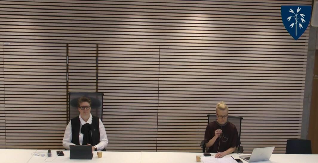 Nordre Follo kommune stenger helt ned, som følge av utbrudd av en mutert variant av koronaviruset. Til høyre sitter ordfører Hanne Opdam og til venstre kommuneoverlege Kerstin Anine Johnsen Myhrvold.